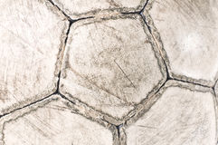 使用的球老足球 图库摄影