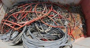 使用的缆绳和导线在容器 免版税库存图片