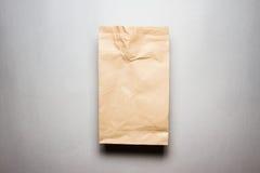使用的袋子棕色做的纸张 免版税图库摄影