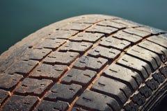 使用的轮胎特写镜头  免版税库存图片