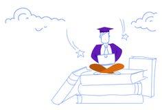 使用膝上型计算机成功网上教育概念学生毕业盖帽学习的人坐的莲花姿势书架 库存例证