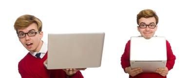 使用膝上型计算机的学生隔绝在白色 免版税库存照片