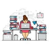 使用膝上型计算机的繁忙,疲乏和恼怒的勤勉妇女,当坐在与文件的文件夹中在办公室在仓促期间时 皇族释放例证