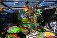 使用被回收的材料被修造的微型庭院 库存图片