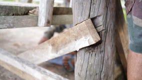使用设备的木匠特写镜头修理家具 影视素材