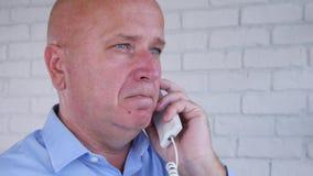使用输送路线,设法失望的商人打企业电话 影视素材