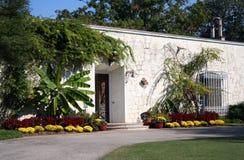 使石头环境美化的房子 库存图片