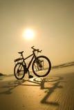使自行车靠岸 免版税库存照片