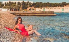 使舞蹈演员编辑可能的eps充分的夏威夷hula性感的妇女靠岸 免版税库存图片
