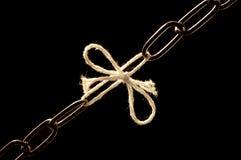 使衰弱的链绳子 免版税库存图片