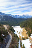 使阿尔卑斯环境美化看法从Highline 179桥梁的 Reutte,蒂罗尔,奥地利 库存图片