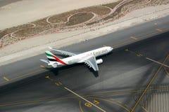 使飞机降落视图 免版税图库摄影