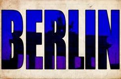 使3d文本勃兰登堡门惊奇的柏林 免版税库存照片