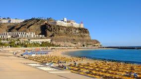 使Playa de波多黎各,大加那利岛,加那利群岛,西班牙靠岸 库存照片