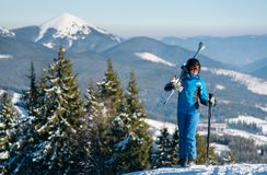 例证山滑雪者向量 图库摄影