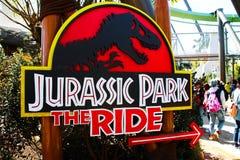 侏罗纪公园乘驾标志板 免版税库存图片