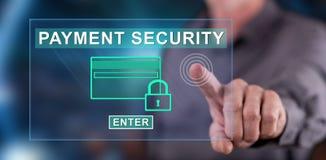 供以人员接触在触摸屏上的付款安全概念 免版税库存照片