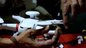 供以人员架置推进器入方形字体直升机寄生虫 影视素材