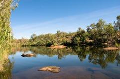 供以人员池的澳洲峡谷 免版税库存图片