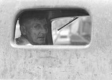供以人员注视着我们的卡车窗口扬希尔县收获节日 免版税图库摄影
