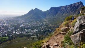 供徒步旅行的小道和看法在开普敦,南非 免版税库存照片