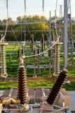 供给电子switchyard动力的电源变压器 免版税库存照片