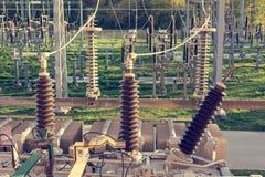 供给电子switchyard动力的电源变压器 免版税库存图片