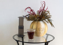 供选择的过滤器咖啡准备专业咖啡酿造 免版税库存图片