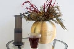 供选择的过滤器咖啡准备专业咖啡酿造 库存图片