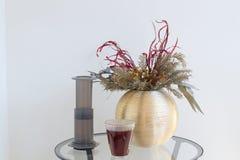 供选择的过滤器咖啡准备专业咖啡酿造 库存照片