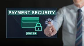 供以人员接触在触摸屏上的付款安全概念 免版税图库摄影