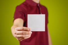 供以人员显示空白的白方块飞行物小册子小册子 传单介绍 免版税库存图片
