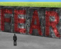 供以人员面对在被连接的巨大的具体难题的红色恐惧词 免版税库存照片