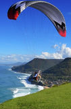 供给动力的滑翔伞起飞 库存图片