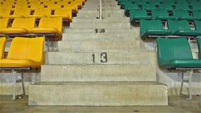 供以座位体育场 股票视频
