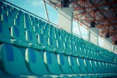 供以座位橄榄球场绿色 库存照片