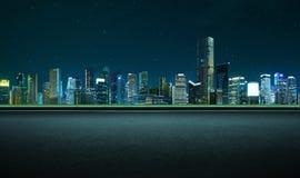侧视图在夜场面的柏油路 库存照片