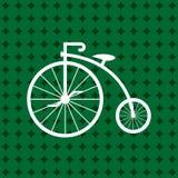 便士极少量在绿色背景隔绝的象白色 有重要人物的古色古香的老自行车 向量例证