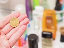便宜的化妆用品 免版税库存照片