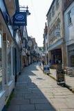 便宜的街道在Frome的中心 免版税库存照片