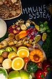 促进免疫系统的健康和超级食物,高在抗氧剂、花青素、矿物和维生素 免版税图库摄影