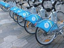 促进自行车运输在城市 免版税库存照片