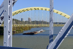 俄亥俄河驳船 库存照片