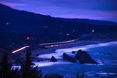 俄勒冈海岸风景在晚上 库存照片