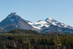 俄勒冈的小瀑布山的三个姐妹 免版税库存照片