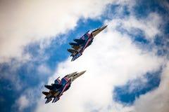 俄国人授以爵位俄国空军队的特技示范队 库存图片