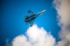 俄国人授以爵位俄国空军队的特技示范队 免版税库存照片