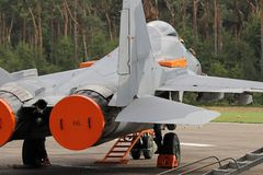 俄国人米格-29在飞行线的喷气式歼击机 库存照片
