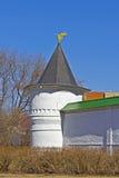 俄国修道院塔  免版税库存照片