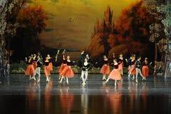 俄国全国节日舞蹈芭蕾天鹅湖 免版税库存照片